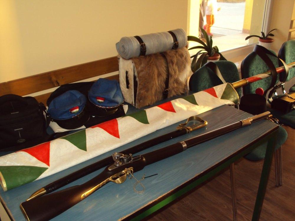 Fényesebb a láncnál a kard - c. előadás Békéscsaba Fényesen 2012. március 13.