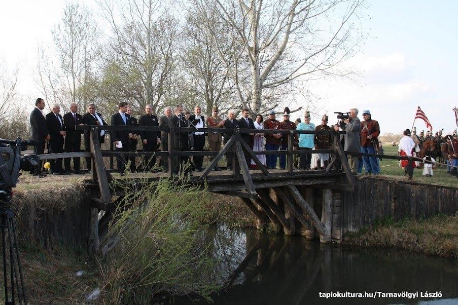 Tápióbicskei csata 2012. április 4.