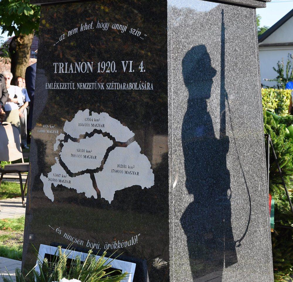 Díszelgés a kondorosi Trianon emlékmű avatásán - 2020.08.21.