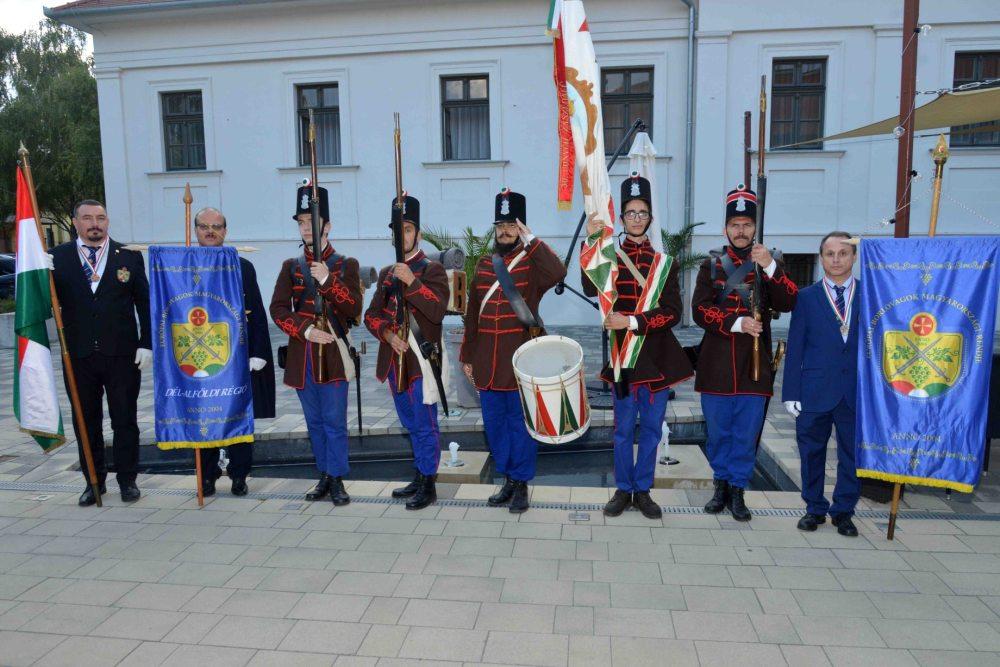 Békéscsaba, Európai Borlovagok Magyarországi Rendje Békéscsabai Lovagi Szék - közreműködés, díszfelvonulás az avatási ünnepségen - 2021.09.18.