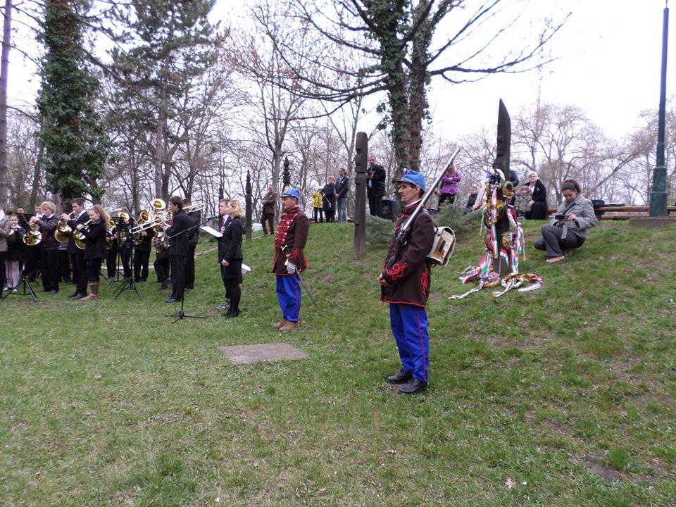 Tótkomlós - Kiállítás megnyitó és ünnepség 2014. március 15.
